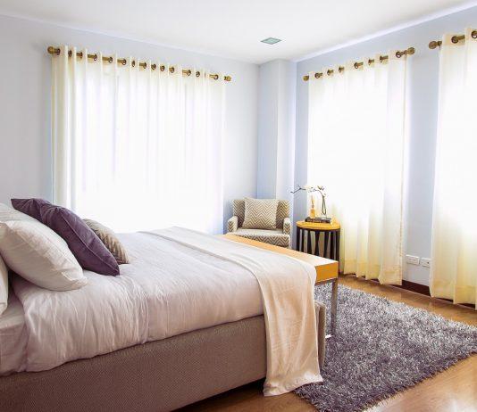 כך תעצבו את חדר השינה הזוגי שלכם